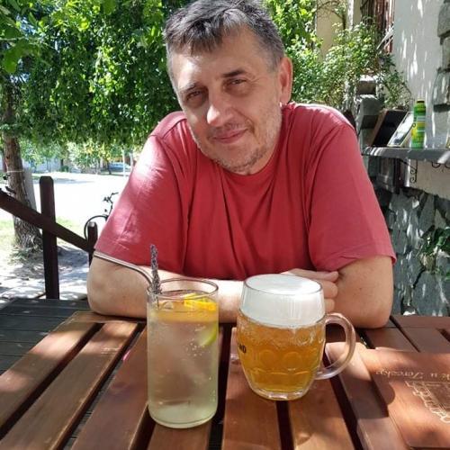 Dušan Szkandera