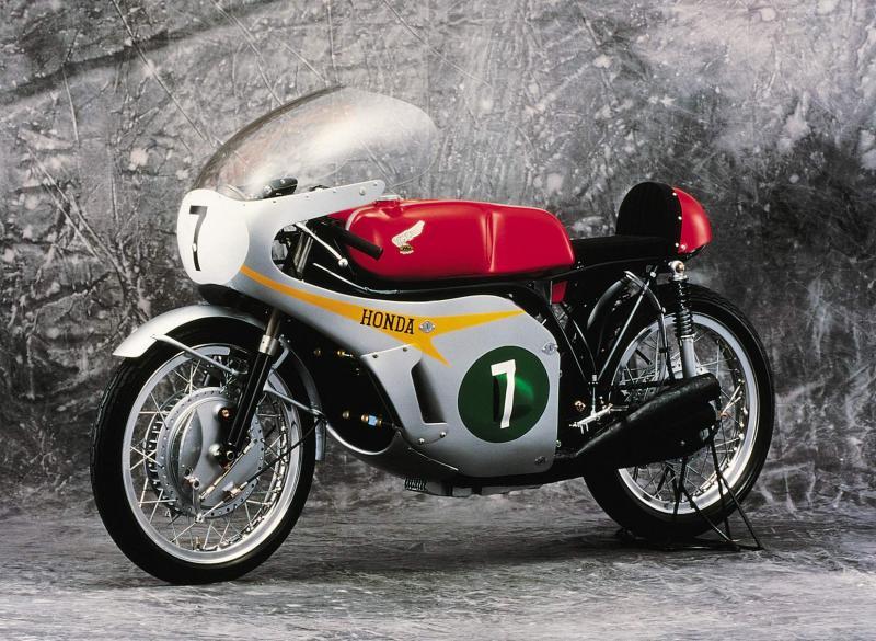 A 6 hengeres legenda - Honda RC165