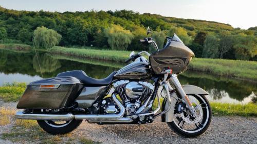 Harley-Davidson Road Glide Special: Nyílt színen a Cápa