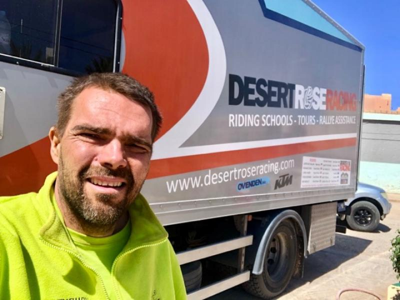 HORVÁTH LAJOS RÁSÉRÜLT – A Magyar pilóta kényszerűségből feladta a Morocco Desert Challenge-t