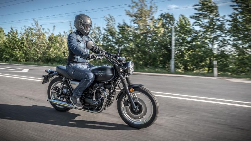 Modernizált vintázs - Kawasaki W800 STREET