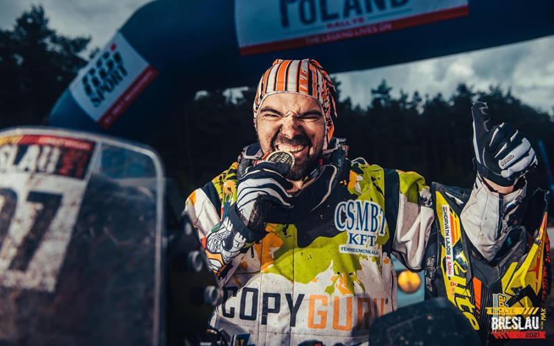 Laller a lengyel Szaharában: 5 nap alatt 1500 kilomért tett meg a váci motoros