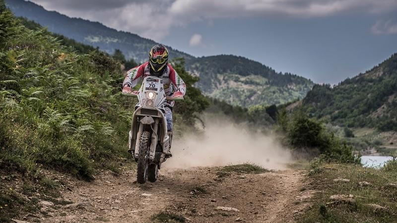 Sűrű hetek elé néz a Dakar versenyző Horváth Lajos!